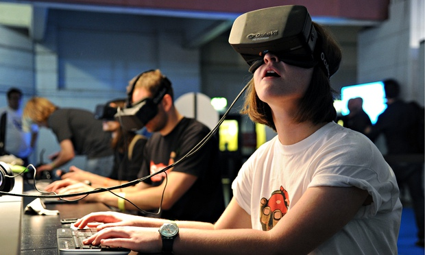 The Oculus Rift headset i 010