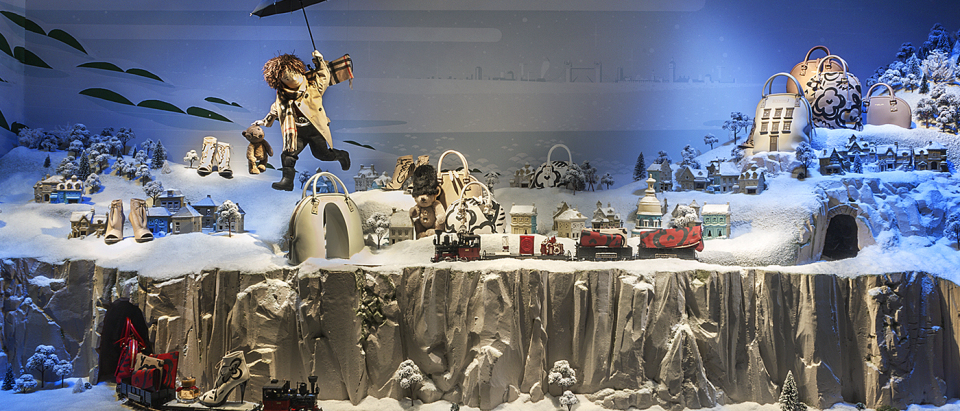 best window displays burberry 2014 christmas printemps voyage magique 04 960x411